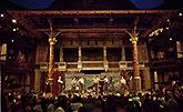 Scéna, Globe on Tour's Hamlet 2014, foto: Bronwen Sharp