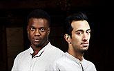 Ladi Emeruwa a Naeem Hayat - 2 Hamleti, Globe on Tour's Hamlet 2014,  Bronwen Sharp