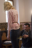 Jana Malá a krejčí Aleš Frýba, Mnoho povyku pro nic 2014, zdroj: © AGENTURA SCHOK, foto: Viktor Kronbauer