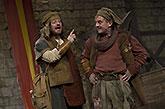 Zleva Leoš Noha a Petr Čtvrtníček, Mnoho povyku pro nic, 2014, zdroj: © AGENTURA SCHOK, foto: Viktor Kronbauer