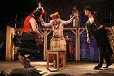 Komedie omylů, PaS de Théâtre, Vladimír Polák (Dromio Syrakuský), René Šmotek (Skřipec), Marek Holý (Antifolus Efeský), foto: Radovan Šťastný, zdroj: © PaS de Théâtre