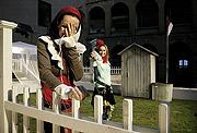 Soňa Norisová (Rosalinda), Danica Jurčová (Célie), Jak se vám líbí, foto: Viktor Kronbauer, zdroj: © AGENTURA SCHOK