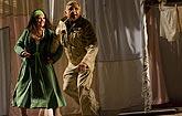 Veselé paničky windsorské, Eva Režnarová (paní Brouzdalová), Jiří Menzel (režie), zdroj: © AGENTURA SCHOK, foto: Viktor Kronbauer