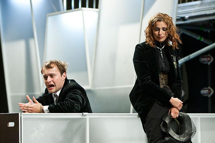 Daniel Fisher (Claudio), Ivana Jirešová (Izabela) - Oko za oko - niečo za niečo, foto: Peter Frollo, zdroj: © Agentúra JAY Production