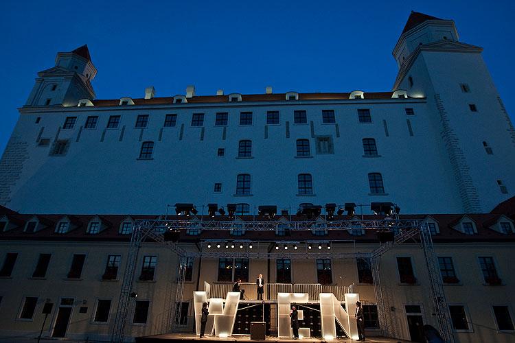 Oko za oko - niečo za niečo, Letné shakespearovské slávnosti na Bratislavském hradě, foto: Peter Frollo, zdroj: © Agentúra JAY Production