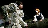 Večer tříkrálový, Vilém Udatný (Orsino), Zuzana Vejvodová (Viola), foto: Viktor Kronbauer, tel.: 603 473 507, zdroj: © AGENTURA SCHOK