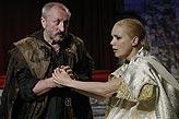 Othello, Oldřich Navrátil (Jago), Lucie Vondráčková (Desdemona), foto: Viktor Kronbauer, tel.: 603 473 507, zdroj: © AGENTURA SCHOK