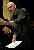 Martin Huba (režie), Martin Hilský (překlad) na zkoušce hry Richard III., zdroj: © AGENTURA SCHOK, foto: Viktor Kronbauer
