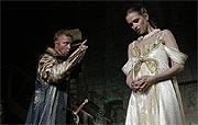Othello, Michal Dlouhý (Othello), Zuzana Vejvodová (Desdemona), foto: Viktor Kronbauer, tel.: 603 473 507, zdroj: © AGENTURA SCHOK