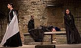 Klára Issová (Lady Anna), Ivan Lupták (Dorset), Simona Postlerová (Alžběta), Radka Fidlerová (Vévodkyně z Yorku), zdroj: © AGENTURA ...