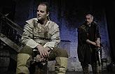 Othello, Jan Teplý ml. (Cassio), Oldřich Navrátil (Jago), foto: Viktor Kronbauer, tel.: 603 473 507, zdroj: © AGENTURA SCHOK