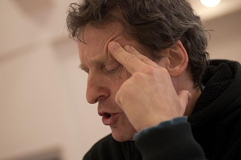 David Prachař (Theseus/Oberon), první čtená zkouška chystané premiéry Sen noci svatojánské, Praha, březen 2013