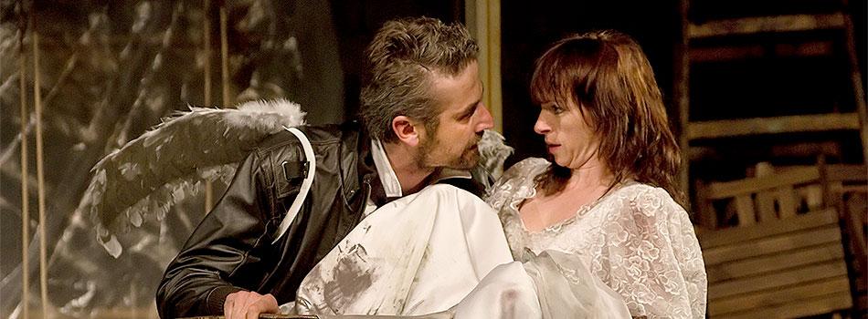 Roman Zach (Petruchio) a Táňa Vilhelmová (Kateřina), Zkrocení zlé ženy 2011, zdroj: © AGENTURA SCHOK, foto: Viktor Kronbauer