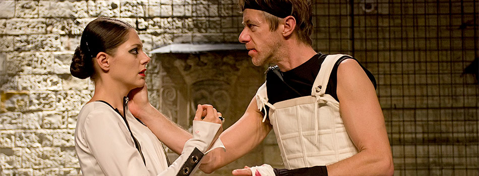 Klára Issová (Lady Anna), Jiří Langmajer (Richard), zdroj: © AGENTURA SCHOK, foto: Viktor Kronbauer