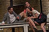 Martin Písařík (Lysandr), Hana Vagnerová (Hermie) a Zuzana Stavná (Helena), Sen noci svatojánské 2013, zdroj: © AGENTURA SCHOK, foto: ...
