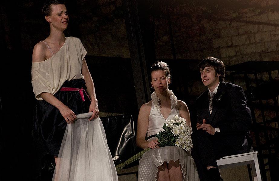 Zuzana Stavná (Helena), Soňa Páleníková (Novomanželka) a Pavel Neškudla (Novomanžel), Sen noci svatojánské 2013