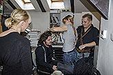 Zleva výtvarnice Sylva Zimula Hanáková, Leoš Noha, maskérka Barbora Hrušková a Petr Čtvrtníček, příprava plakátu LSS 2014, foto: ...