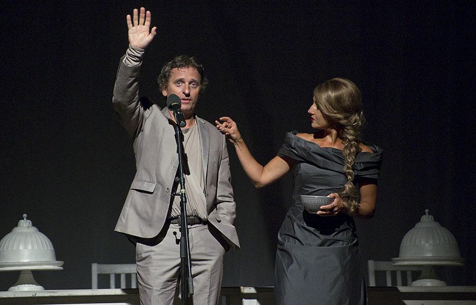 David Prachař (Theseus) a Vanda Hybnerová (Hippolyta), Sen noci svatojánské 2013