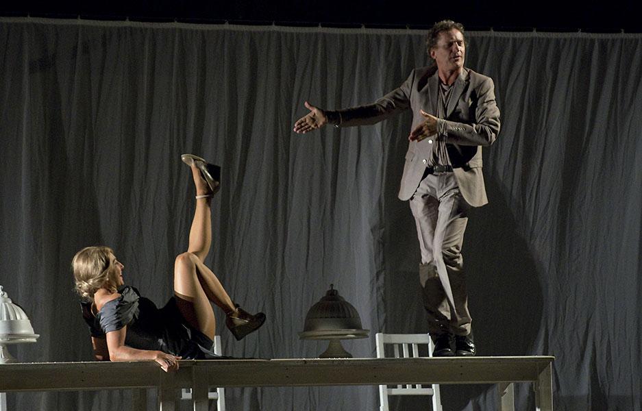Vanda Hybnerová (Hippolyta) a David Prachař (Theseus), Sen noci svatojánské 2013